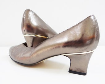 Silver Shoes, UK 6.5, Metallic Footwear, Vintage Shoes, Metallic Shoes, Vintage Footwear, Silver Heels, Vintage Pumps, Ladies Shoes