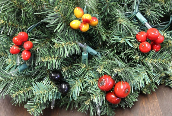 Berry Bunches - Christmas Gift Wrapping Accessories/Wreath Decorating  Supplies
