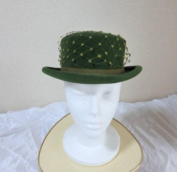 1940s hat/ 40s Olive green felt hat with chartreu… - image 3