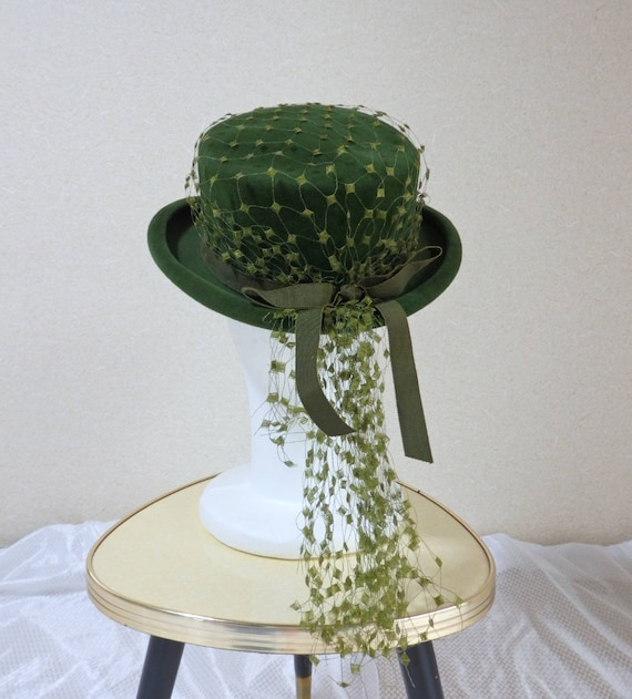 1940s hat/ 40s Olive green felt hat with chartreus