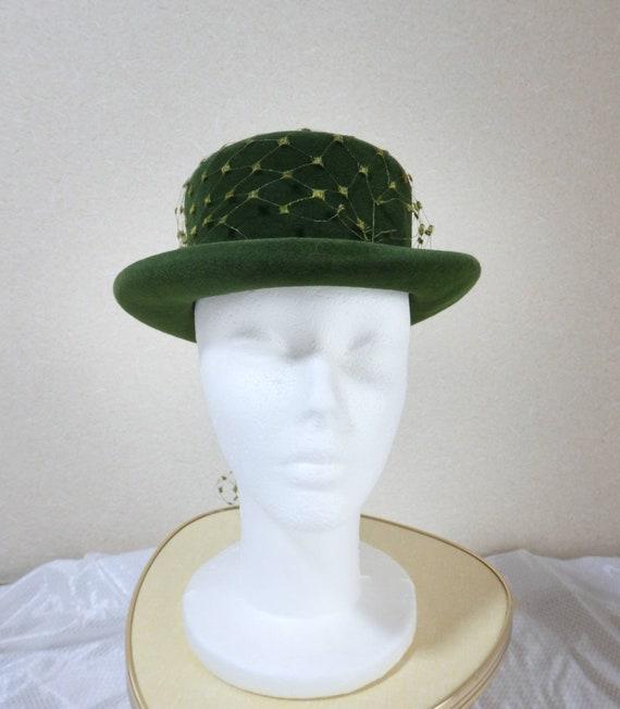 1940s hat/ 40s Olive green felt hat with chartreu… - image 8