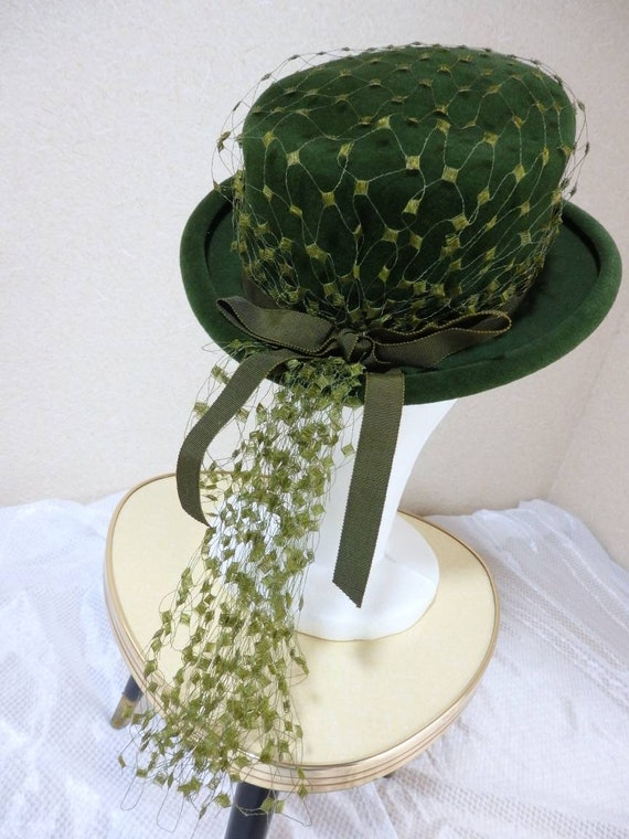1940s hat/ 40s Olive green felt hat with chartreu… - image 2