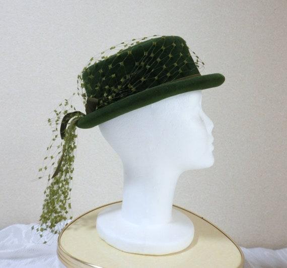 1940s hat/ 40s Olive green felt hat with chartreu… - image 5