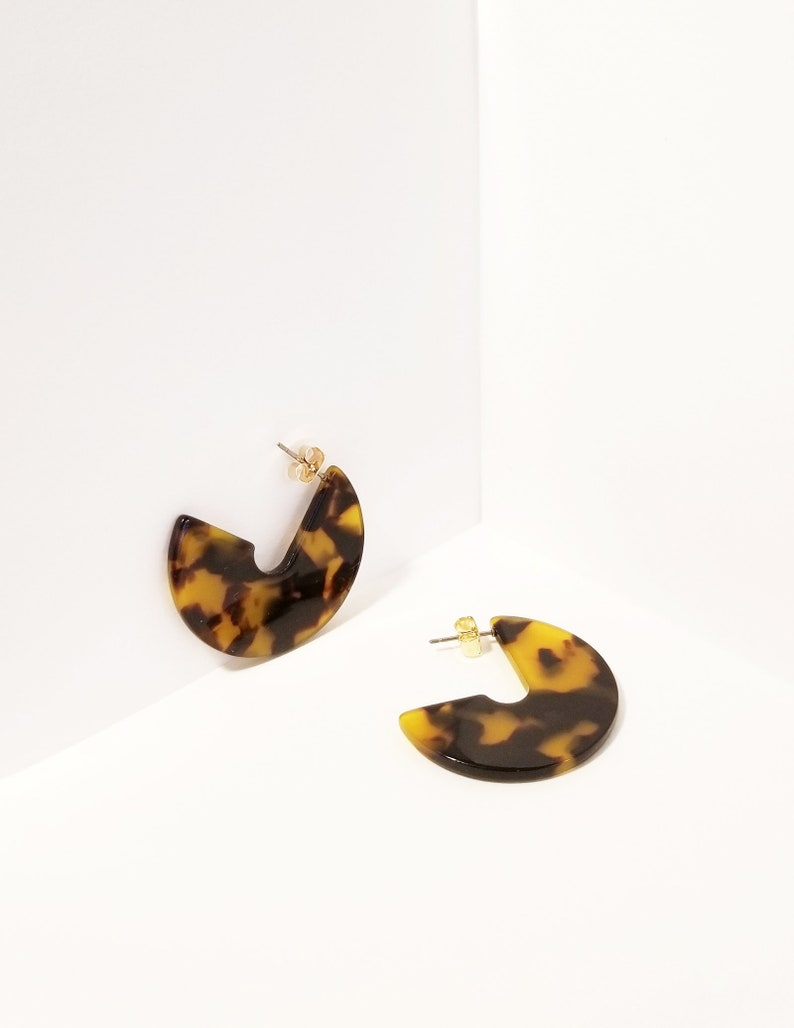 acc1180209c20 Ava Dark Gold Tortoise Earrings, Tortoise Shell Earrings, Tortoise Shell  Hoop Earring, Cute Tortoise Hoop Earrings, Minimalist Hoop Earrings
