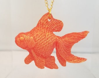 Au Piscis - Goldfish Necklace