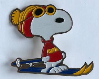Snoopy enamel pin brooch United Feature Syndicate 1972 cartoon ski skiing sking sport