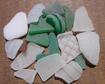 19 sea glass pieces 0.5''- 1.3''[1.3-3.3cm]. Genuine natural beach glass. Surf tumbled glass for various crafts and jewelry making.