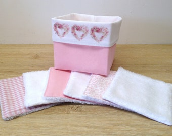 basket and washable and reusable wipes in Oeko-Tex cotton and bamboo velvet shabby chic style, environmentally friendly and zero waste