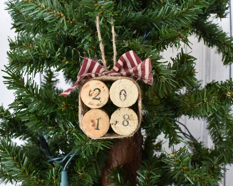 Wine Cork Ornament Gift For Wine Lovers Upcyled Ornament Christmas Decor For Vino Rustic Holiday Style Jute Wrapped Cork