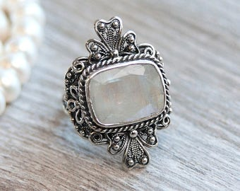 Moonstone Jewelry, Moonstone Ring, Sterling Silver Ring, Natural Moonstone, Filigree Silver Ring, Handmade Silver Ring