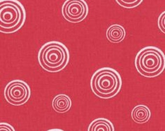 By The HALF YARD - White Spinning Circles on Pinkish Red, Different Sized Circles within Circles, Basic, Blender