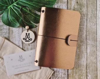 Minidori GOLD NOUVEAU, gold faux leather, fauxdori, vegan midori, traveler, midori journal, vintage diary, old planner