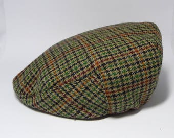 Countryside Classics Men s Plaid Wool Newsboy Flat Cap  size 57cm  Green  Black Brown Plaids  Irish style Hat 3b90a7477832