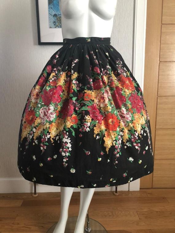 1950s Skirt 50s full skirt floral print  patio skirt