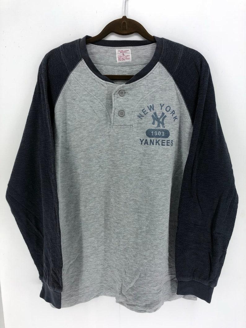 5383da314c390 Vintage 90's Major League Baseball Yankees New York Classic Design Skate  Sweat Shirt Sweater Varsity Jacket Size L #A911