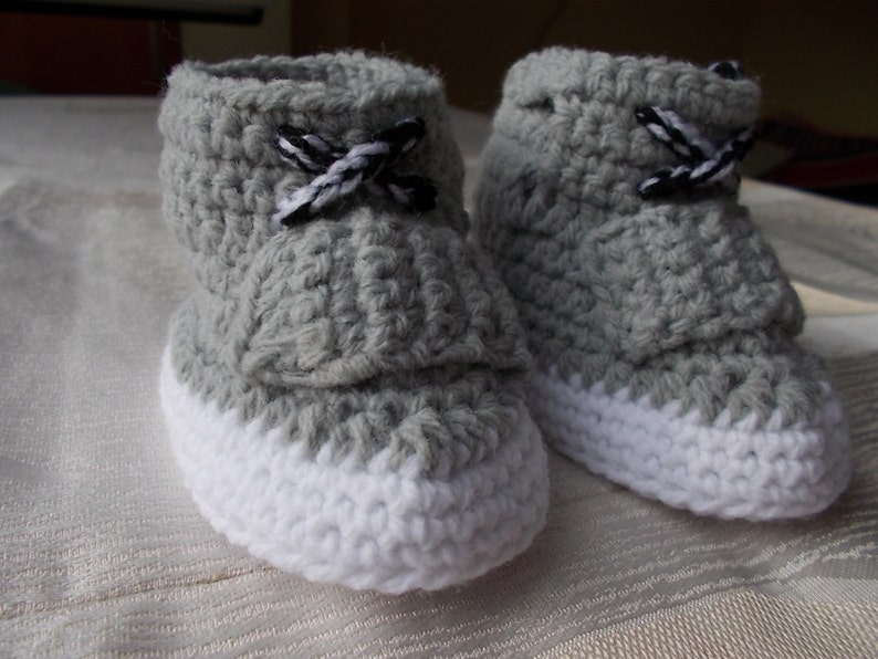 fb0a739ed345e CROCHET PATTERN The Yeezy Boost 750 Yeezy 750 Boost pattern