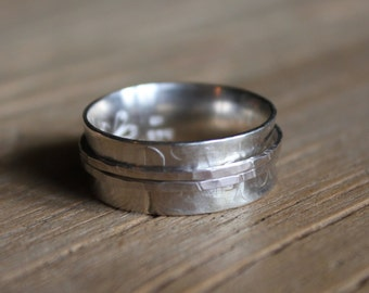 Size Q - SPINNER RING