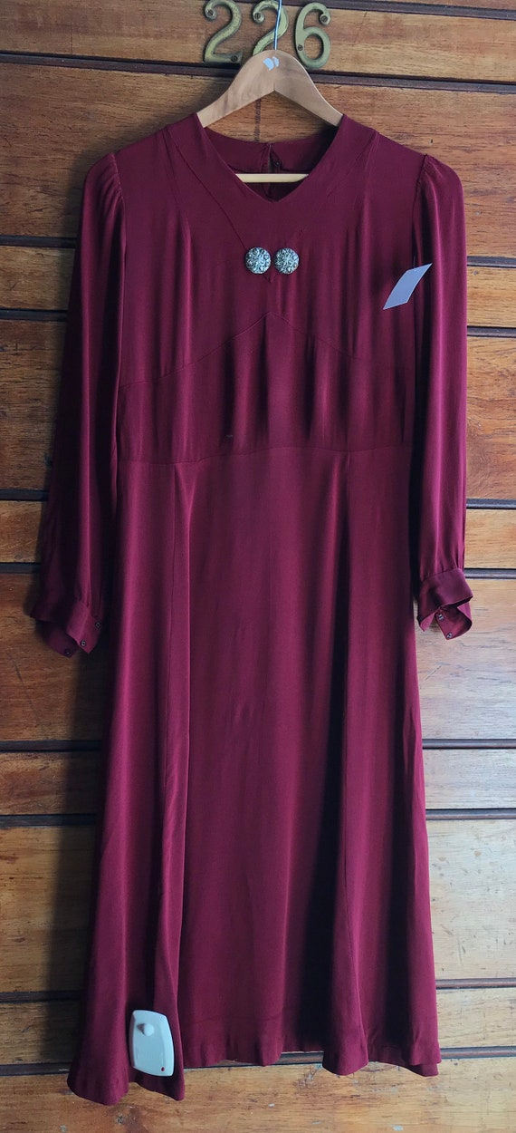 Gorgeous 1930s maroon crepe dress