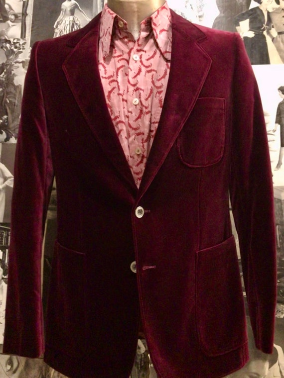 1970s maroon velvet smoking /evening jacket