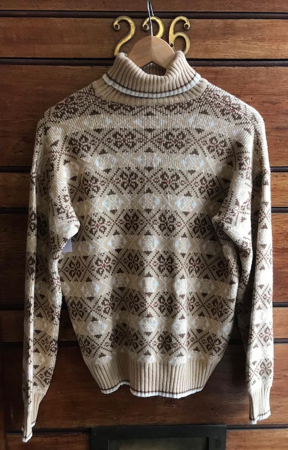 1970s pattern turtle neck
