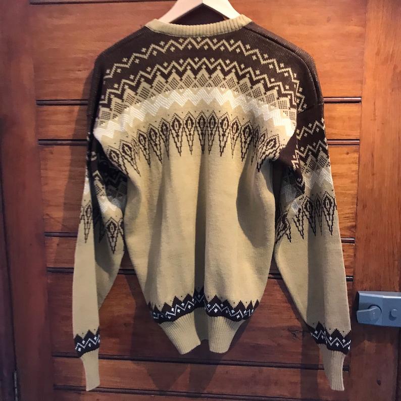 1970s camel choc Fairisle v-neck pullover