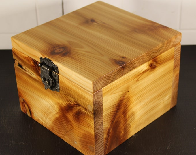 handcrafted western red cedar keepsake box