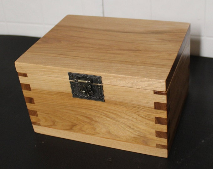 handcrafted hickory keepsake box