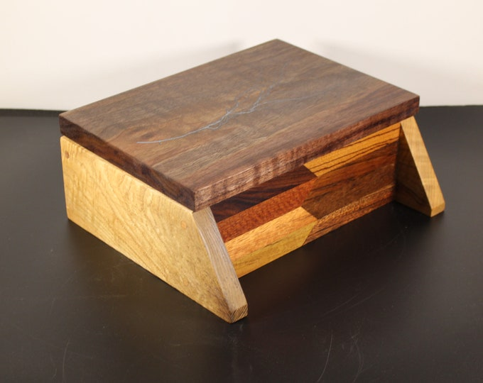 handcrafted hardwood and sassafras keepsake box