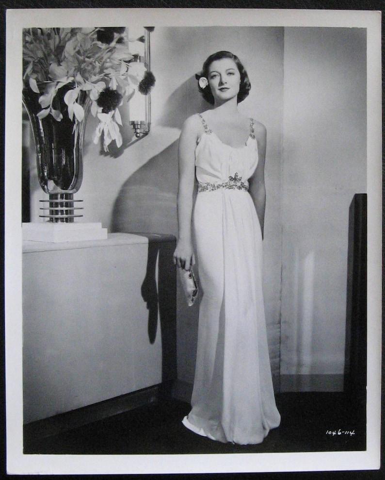 c8e605c9ff7 MYRNA LOY 1938 Press Photo Too Hot To Handle Grecian Gown Art