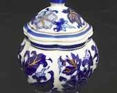 Chinese Blue, White Gold Porcelain Pumpkin Ginger Jar Tea Caddy with Lid Hand Painted Lotus Flowers Vintage Decorative Urn - China