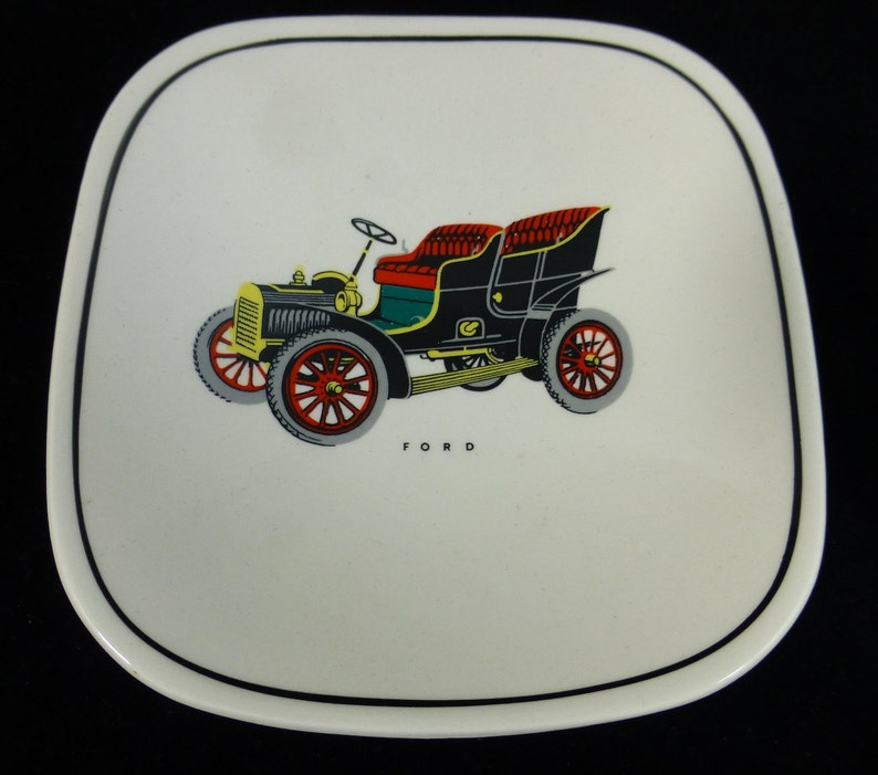 Decorative Gray\u2019s Pottery Vintage Car Ford 1950s Pin Dish Vintage and Collectable
