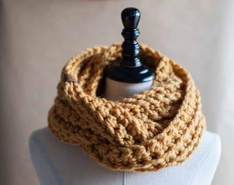 Ready to ship! The Dorset // Chunky crocheted infinity scarf neckwarmer