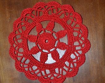 Handmade doily 13 cm, red, round crocheted with fine cotton