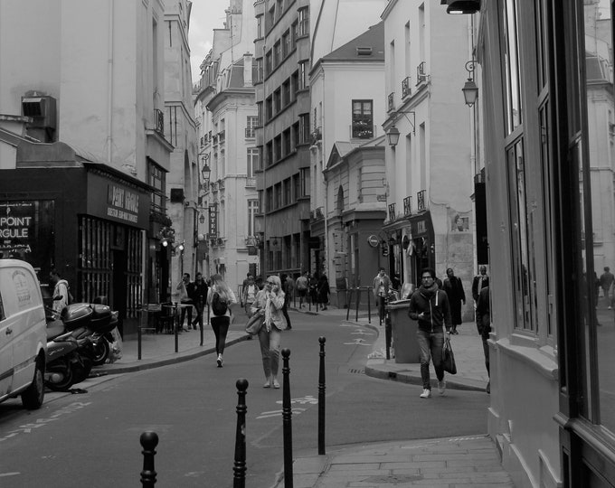 Black and white photography Marais Street Moov 18 x 12 inches (about)