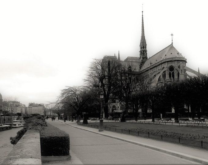 Romantique Notre-Dame 8 x 12 inches (about)