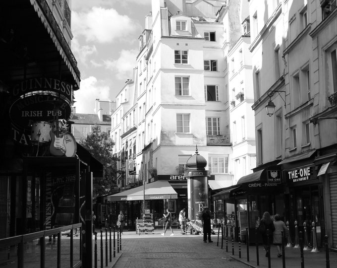 Black and white photography Street Halles 8 x 8 inches (about)