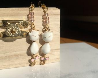 Siamese Cat Beaded Earrings