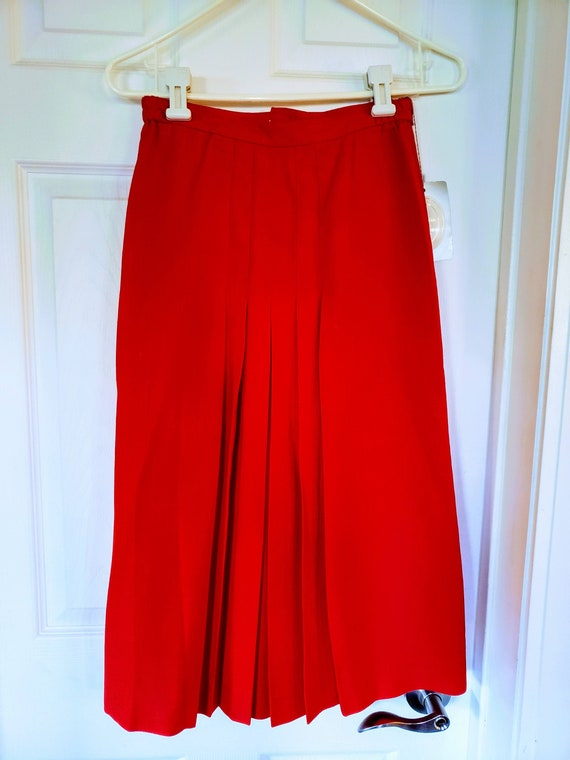BEAUTIFUL VTG Christian Dior red pleated skirt!