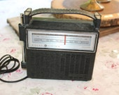 Vintage GE Solid State AM FM Transistor Radio Two Way Power