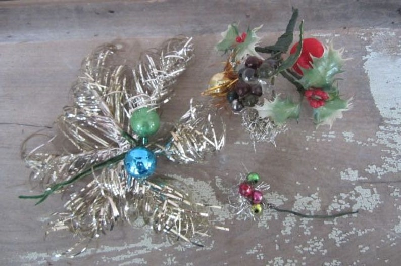 Lot Of Vintage Christmas Corsage Parts Vintage Christmas Floral Mercury Glass Beads Glass Ornament Accents Vintage Tinsel