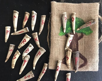 Large Antler Rune Set with bag, Elder Futhark antler rune set, Pyrography antler tip runes