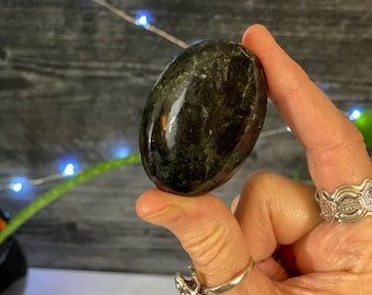 Larvikite Palm Stone, Black Feldspar palm stone
