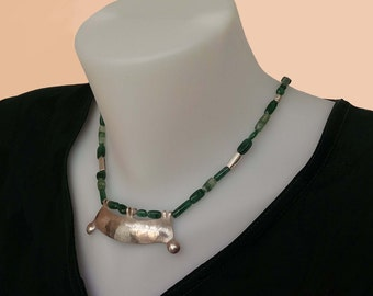 Green Aventurine necklace with 925 silver centerpiece.Ethnic statement jewelry,silver pendent,beaded necklace,original handmade silver beads