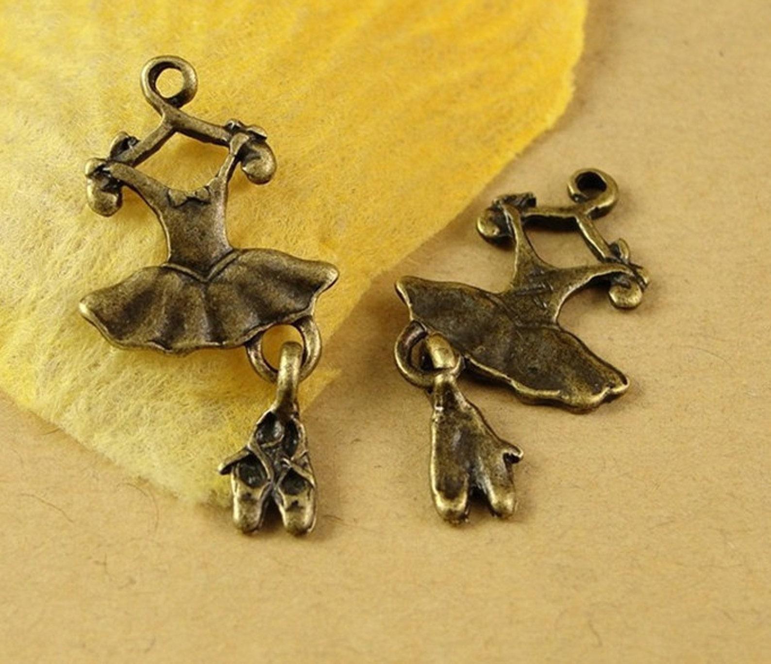 bulk lot 50pcs of 26x13mm dress and ballet shoes charm pendants connector wholesale charms antique bronze jewelry findings pa130