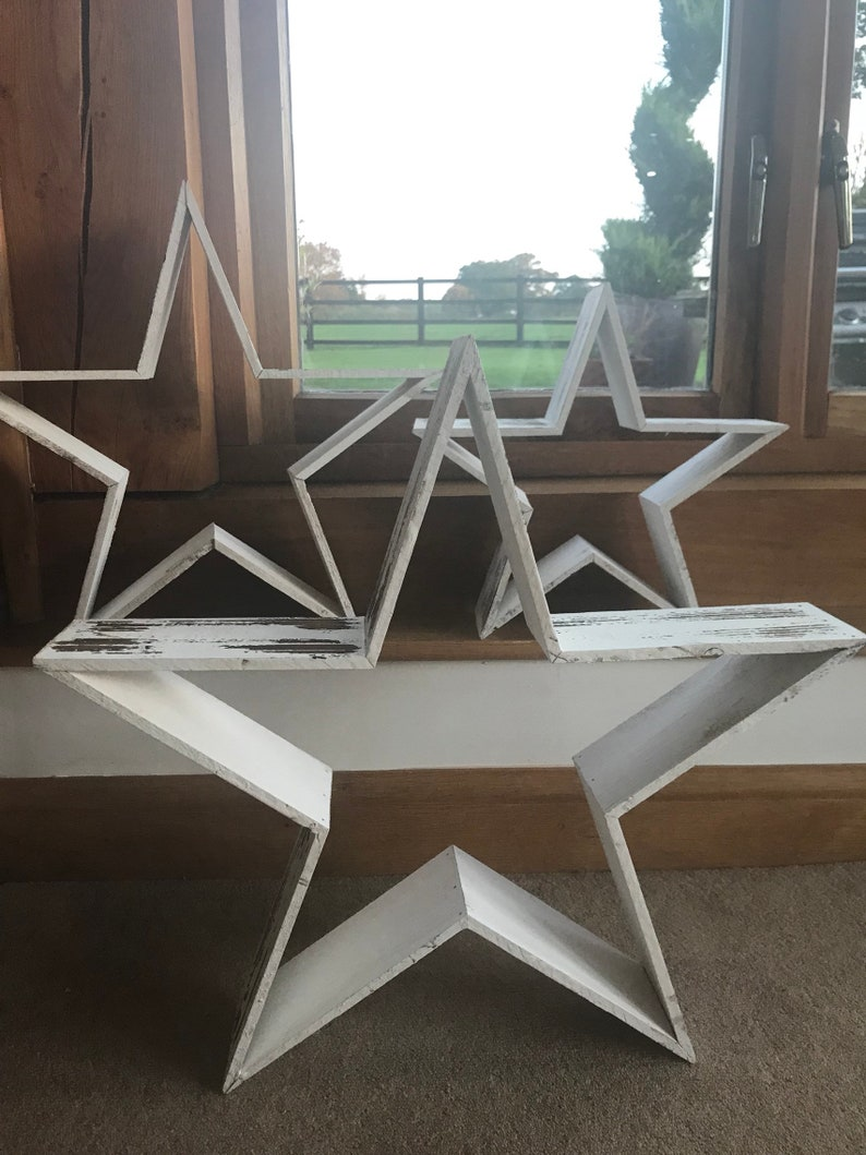 Free Standing Wooden Stars Rustic Chic Style Distressed White 3d Effect Large Medium And Small
