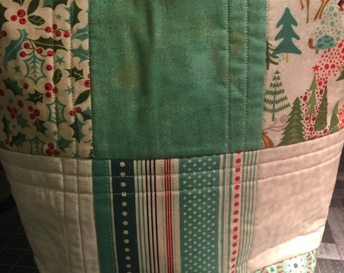 Christmas Bag, Christmas decor, Christmas, Bag, Tote, quilted tote, handmade quilt bag, handmade tote, homemade bag, quilted bag