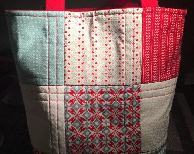 Quilted bag, bag, tote, quilted bag, quilted tote, handmade bag, handmade tote, handmade quilt tote, handmade quilt bag, homemade bag,