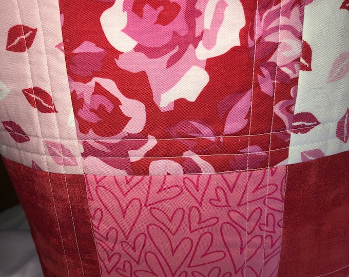 Quilted bag, bag, tote, quilted bag, quilted tote, handmade bag, handmade tote, handmade quilt tote, handmade quilt bag, homemade bag