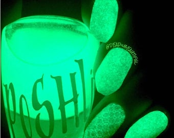 """Unique """"Luminous Lime"""" Glow In The Dark Lime Green Polish Full Size 15ml Bottle Gift Present"""