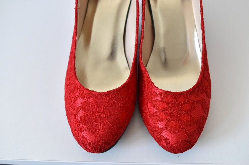 95022683ec0 Classic Red White Lace Wedding Bridal Shoes